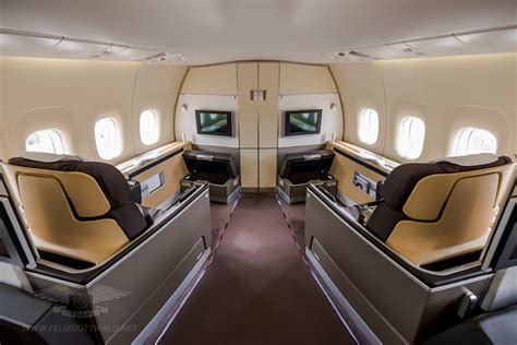 what does interior inside the lufthansa boeing 747 8i