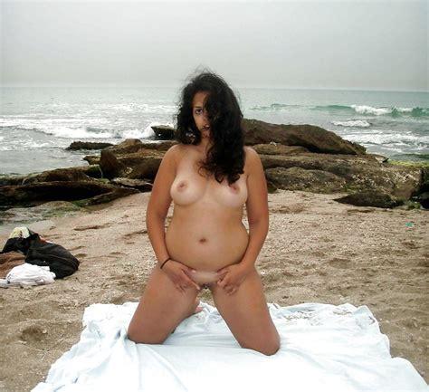 Nude Indian Housewife Beach Nude Gallery