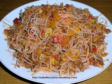 cuisine marocaine pastilla au poulet pastilla à la viande hachée la cuisine a zineb