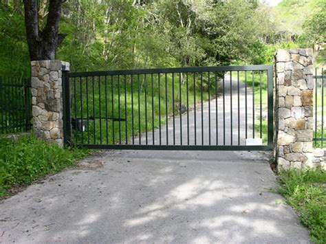 driveway gates what is the right driveway gate for you artlies