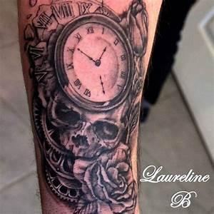Tatouage Montre A Gousset Avant Bras : tatouage avant bras rose horloge ~ Carolinahurricanesstore.com Idées de Décoration
