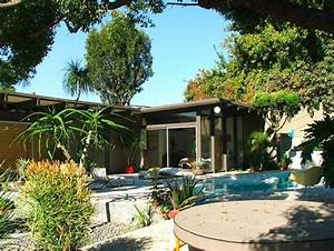 Architecture: 1960s Whitney Smith Designed Modernism Home ...