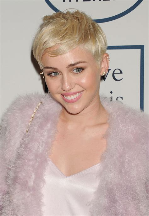 pixie cut   face shape