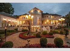 18,000 Square Foot Stately Mansion In Mississauga, Canada