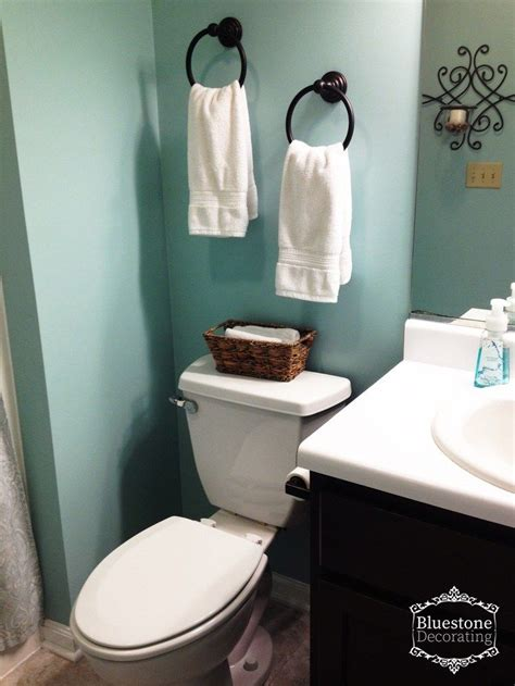Spa Like Bathroom Paint Colors by Builder Grade Bathroom Gets A Facelift In A Weekend