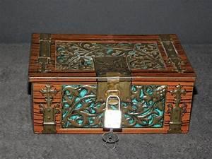 Boite Archive Metal : boite vintage coffre en metal sculpte de vegetaux avec cadenas et clef petits coffres ~ Teatrodelosmanantiales.com Idées de Décoration