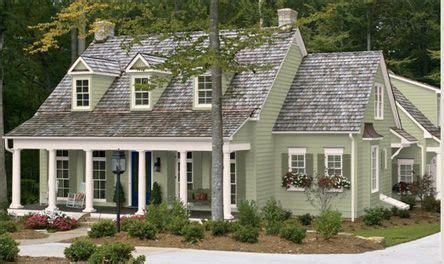 exterior paint colors on a farmhouse exterior paint