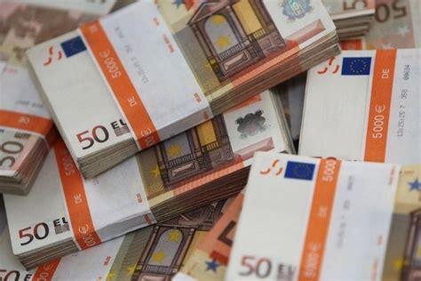 cuisine 10000 euros cannes il trouve 10 39 000 euros et les remet à la