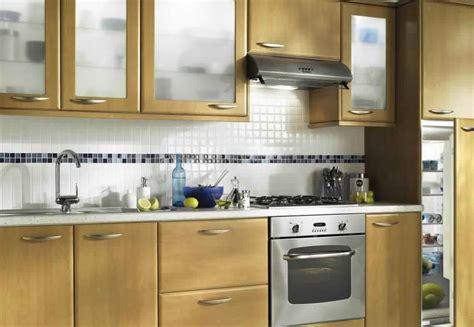meuble cuisine bois meuble de cuisine en bois massif comment bien amnger la