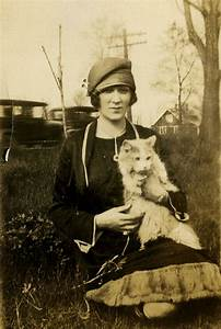 16, Adorable, Vintage, Portraits, Of, People, With, Their, Cats, From, The, 1920s