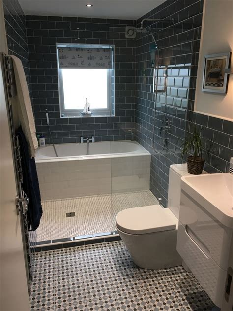 Shower Ideas For A Small Bathroom by 25 Beautiful Small Bathroom Ideas Small Bathrooms