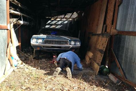 barn find  dodge challenger  kansas