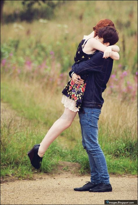 Hug Couple Love Kiss Sexy Love Feelings
