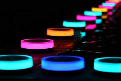 Playbulb Smart Solar Outdoor Lighting System (video
