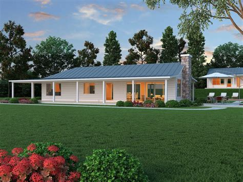shaped ranch  bed  bath  plan   houseplanscom ranch house exterior ranch