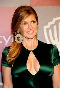 connie-britton-tits-golden-globes