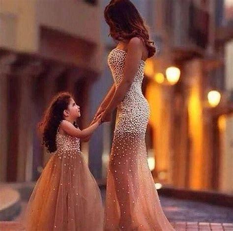Одинаковые платья для мамы и дочи