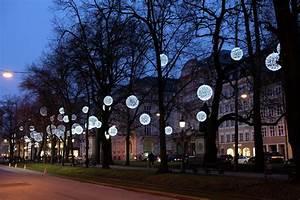 Weihnachtsbeleuchtung Außen Baum : weihnachtsbeleuchtung promenadeplatz m nchen ~ Orissabook.com Haus und Dekorationen