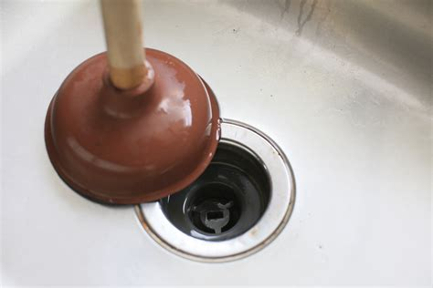 How to Plunge a Sink: 7 Steps (with Pictures)   wikiHow