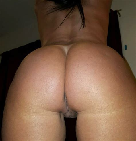 Amateur Girlfriend Has The Most Perfect Ass