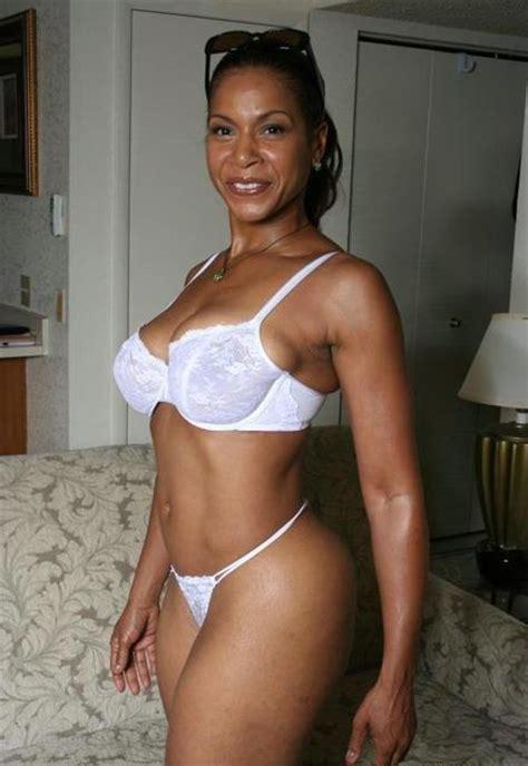 Loriana Kenya 48 Years Old Single Lady From Nairobi Sugar
