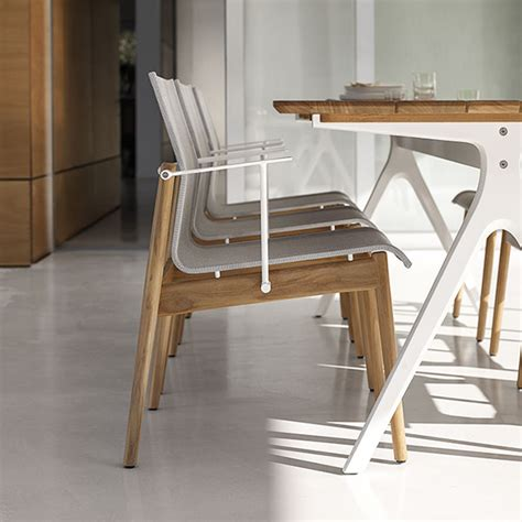 split high  outdoor dining tables  gloster curran