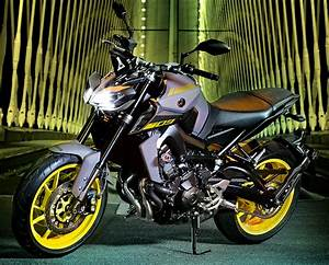 Mt 09 A2 : yamaha 850 mt 09 2018 fiche moto motoplanete ~ Medecine-chirurgie-esthetiques.com Avis de Voitures