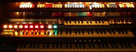 Wurlitzer 950 Theatre Organ
