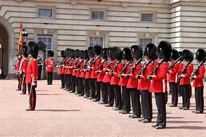 Buckingham Palace | Changing of the Guard