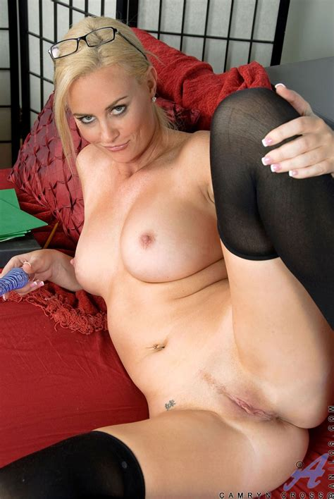 blonde milf camryn cross toying in stockings free cougar sex