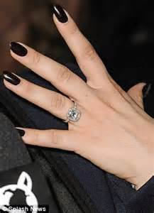 black and white engagement ring kaley cuoco brightens up casual with sparkling engagement ring daily mail