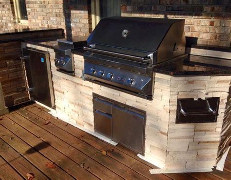 Built In Turkey Fryer In Outdoor Kitchens