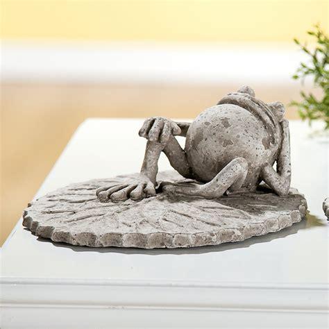 Gartendeko Grau gartendeko set frosch auf blatt in grau antik f 252 r den
