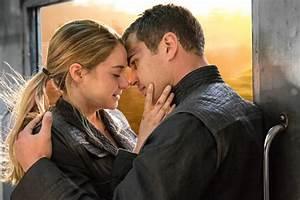 Three new 'Divergent' stills feature Tris in her simulation