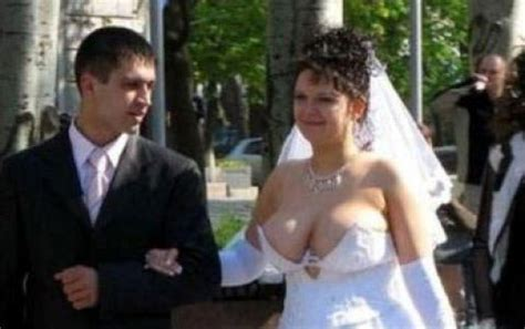 Rue The Day! » The 10 Trashiest Wedding Dresses