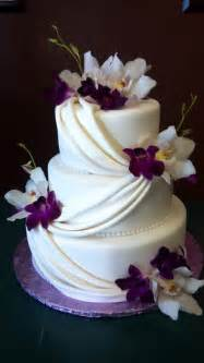 purple wedding cake white and purple wedding cake www cakedesignslv cakes purple wedding cakes