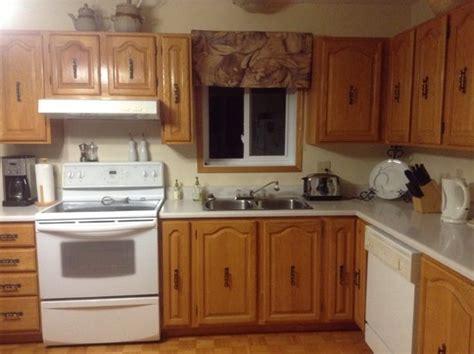 comment renover sa cuisine en chene moderniser mes armoires de cuisine en chêne