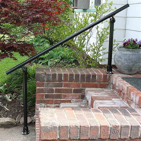Outdoor Banister Railing by 25 Best Ideas About Outdoor Stair Railing On