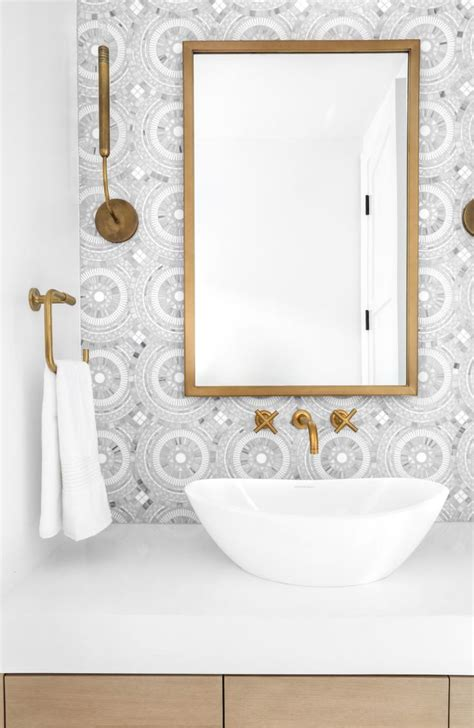 Newport Bathroom Fixtures by Take A Peek At This Dreamy Home In Newport