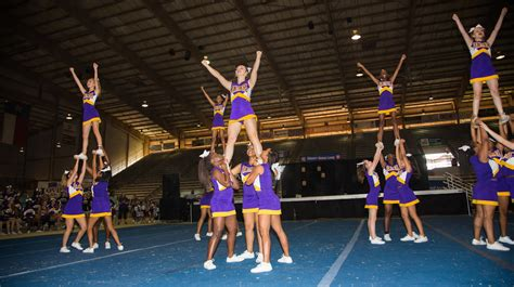 lufkin isd cheerleaders performing   texas