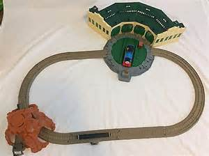 the tank engine friends trackmaster tidmouth sheds rotating turntable 163 34 99