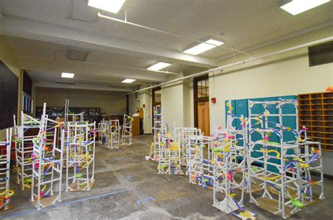 Makerspaces as classrooms: schools and hardware shops ...