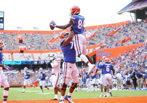 Florida Gators Tied For No. 3 In Coaches Poll, Drop In AP ...