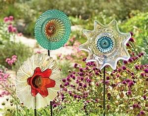 Geschirr Mit Blumen : blumen aus glas geschirr zieren den garten gardening ideas ~ Frokenaadalensverden.com Haus und Dekorationen