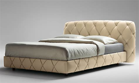 Capitone Bed By Poltrona Frau