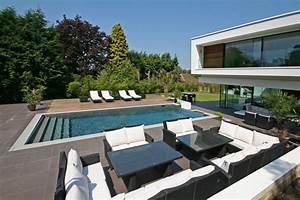 maison contemporaine avec piscine 07 With maison design avec piscine