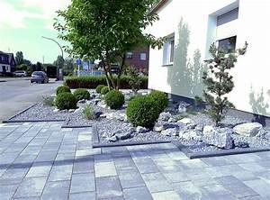 Pflegeleichte Gärten Beispiele : pflegeleichte vorgartengestaltung mit gr sern bux und felsen ~ Whattoseeinmadrid.com Haus und Dekorationen
