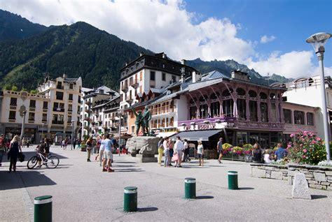 mairie du mont mairie de du mont 28 images chamonix mont blanc on a march 233 dans le vide panoramio photo