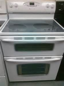 Maytag Double Oven Electric Glass Top Stove