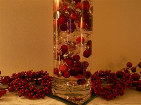 cranberry decorations decking  hallswith